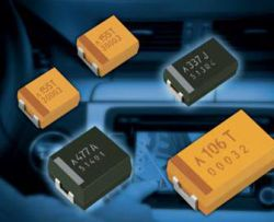 AVX TCQD156M025R0070